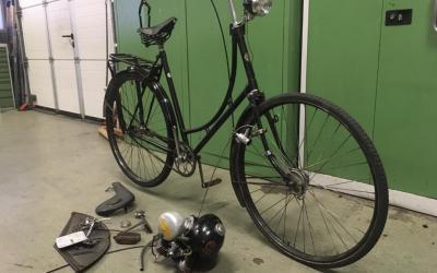 Oude fietsen opknappen door Technische Dienst